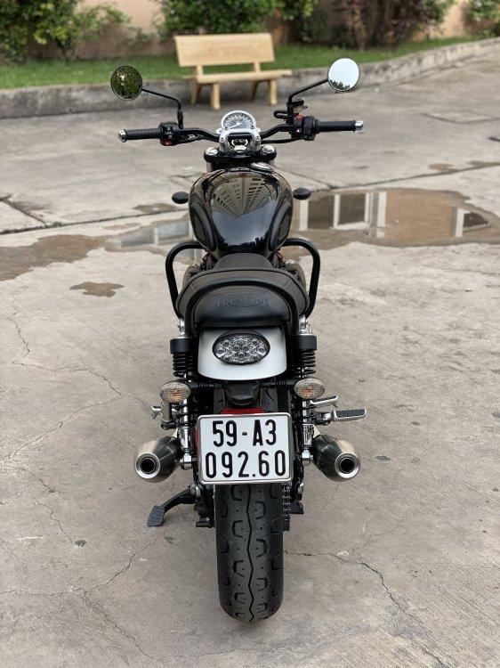 201EC904-52F7-4D81-B205-44A220CAD1C9.