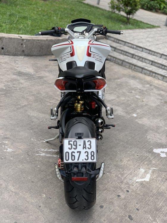 E5F7A833-CAF9-40A2-A7D0-DB8FF39E77AC.