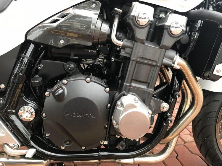 Honda CB1300-7.