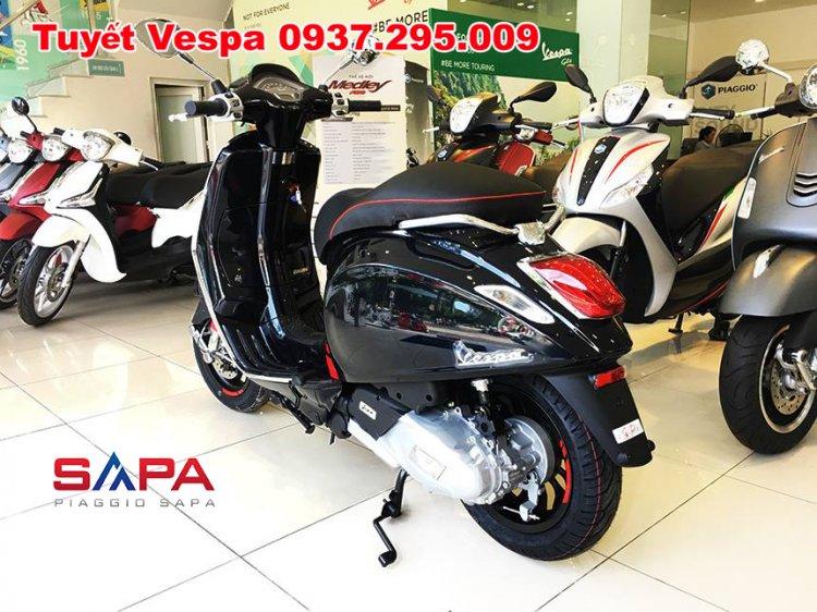 Tuyết Vespa 3.