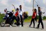 Cho thuê xe máy ở phố cổ Hà Nội.